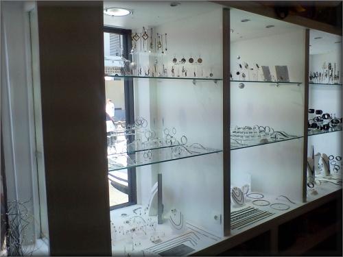 vitrier paris 18 r paration vitre cassee vitrage et miroiterie. Black Bedroom Furniture Sets. Home Design Ideas